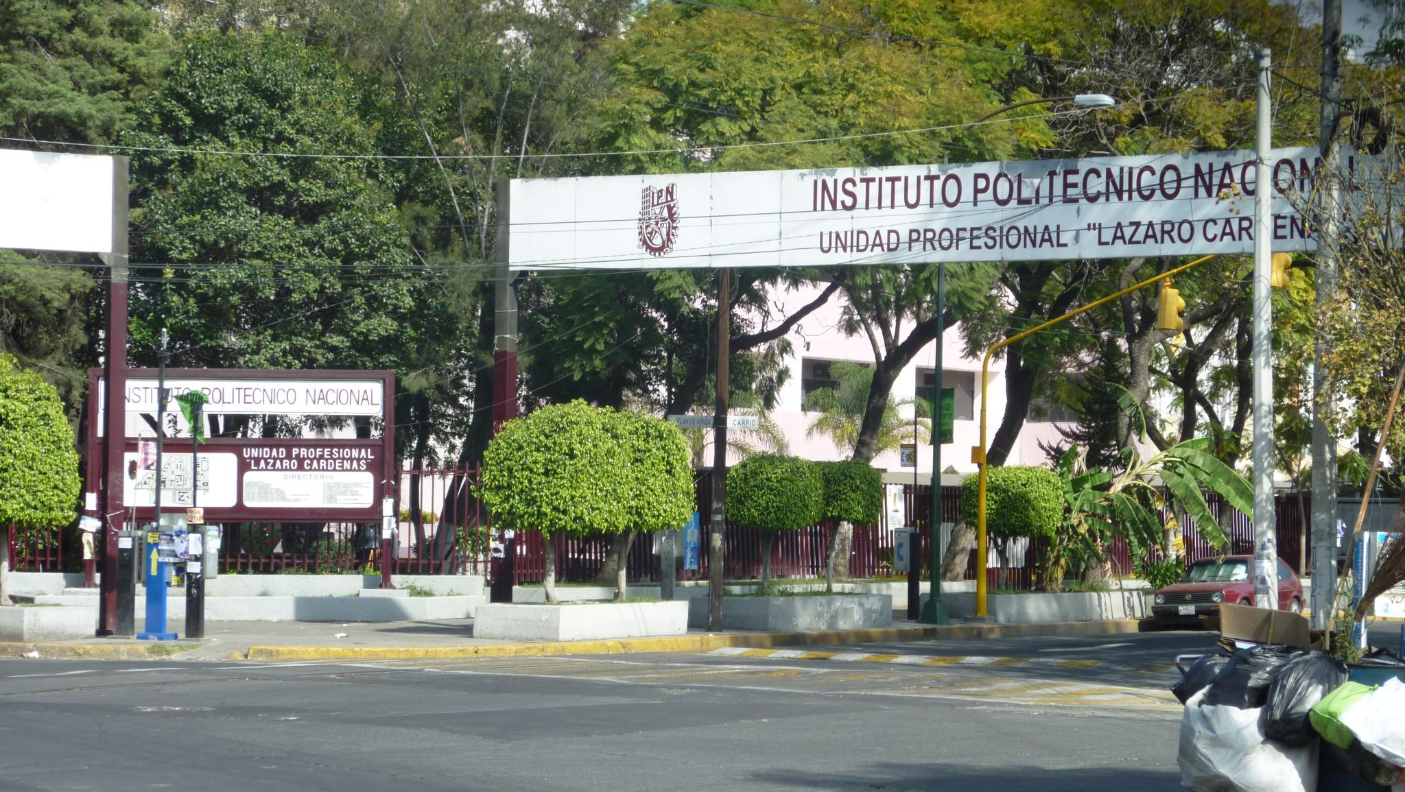 Estudiantes del IPN regresan a clases a distancia
