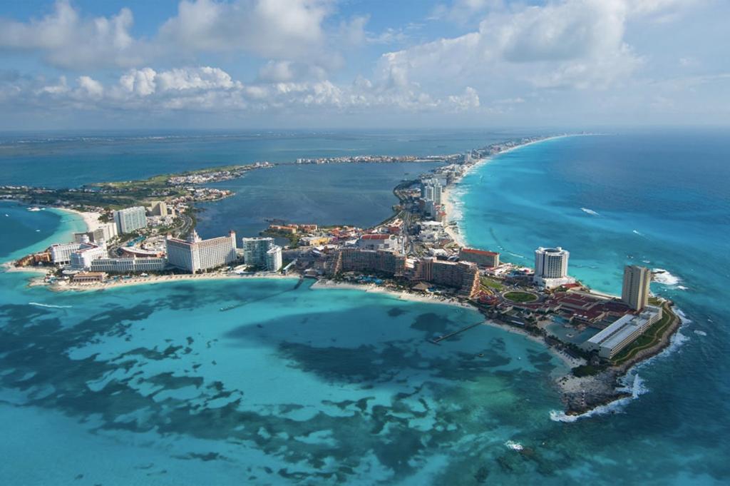 Banorte y Quintana Roo aseguran playas y arrecifes