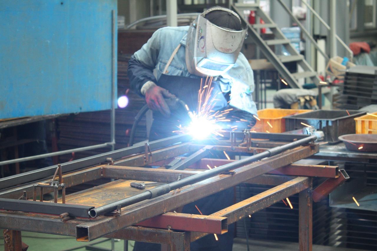 Empleo en sector manufacturero crece 0.9% en julio