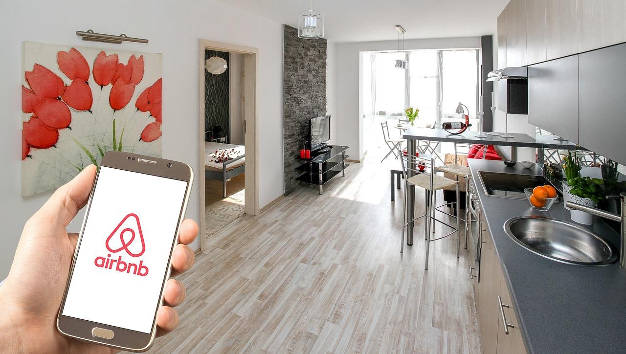 Viajeros de Airbnb gastaron 2 mil 800 mdd en México