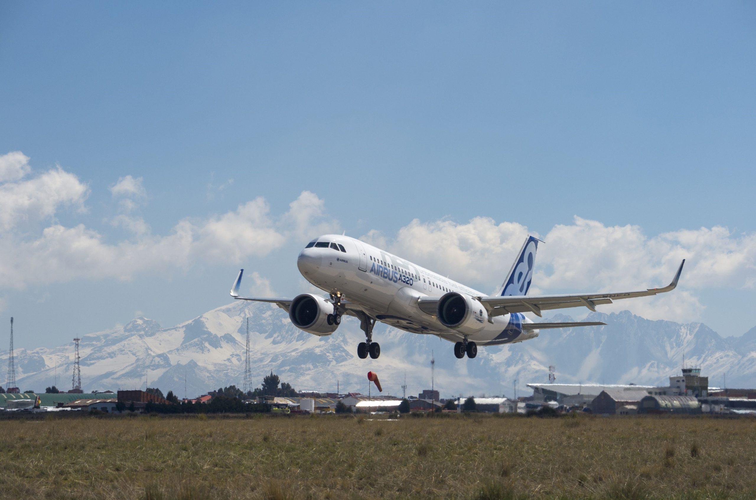 México lidera recuperación de aviación en AL