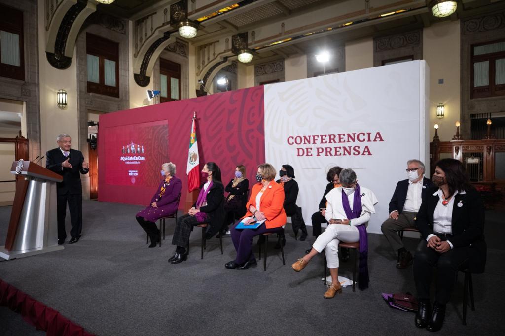 Violencia de género es por modelo neoliberal: AMLO