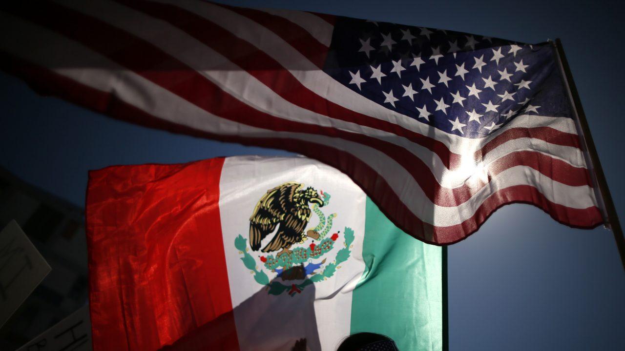 México queda exento de aranceles de EU al acero: SE