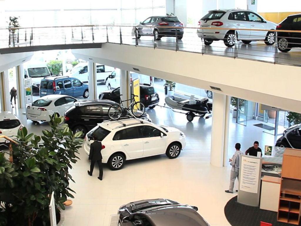 Venta de vehículos ligeros continuó a la baja en septiembre