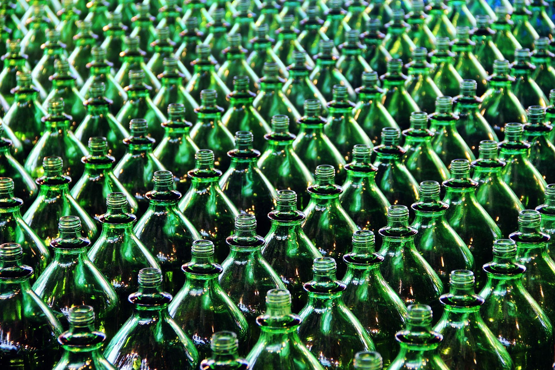 Presentan datos de la industria de bebidas y del tabaco
