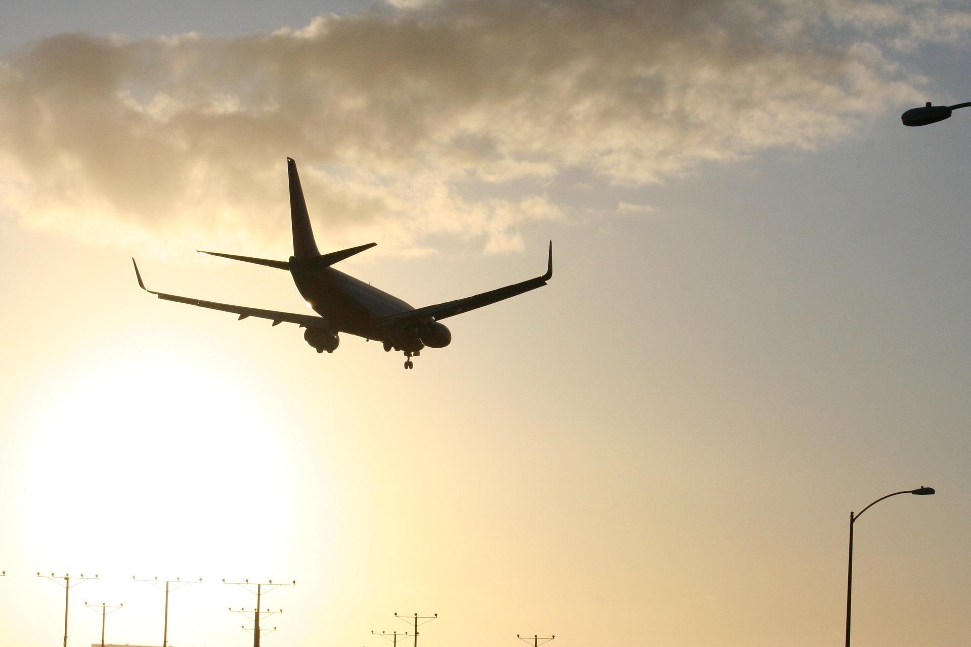 Aerolíneas mexicanas deben más de 800 mdp por uso del espacio aéreo