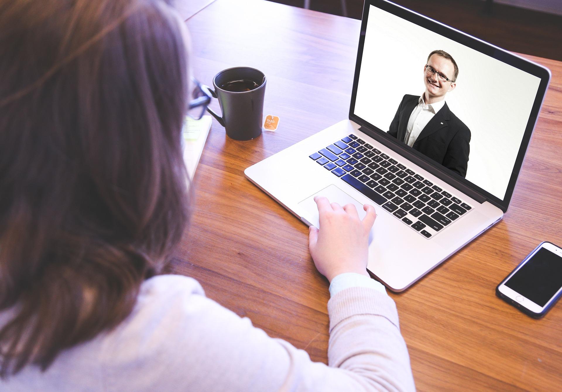 6 tips para tu entrevista laboral en línea