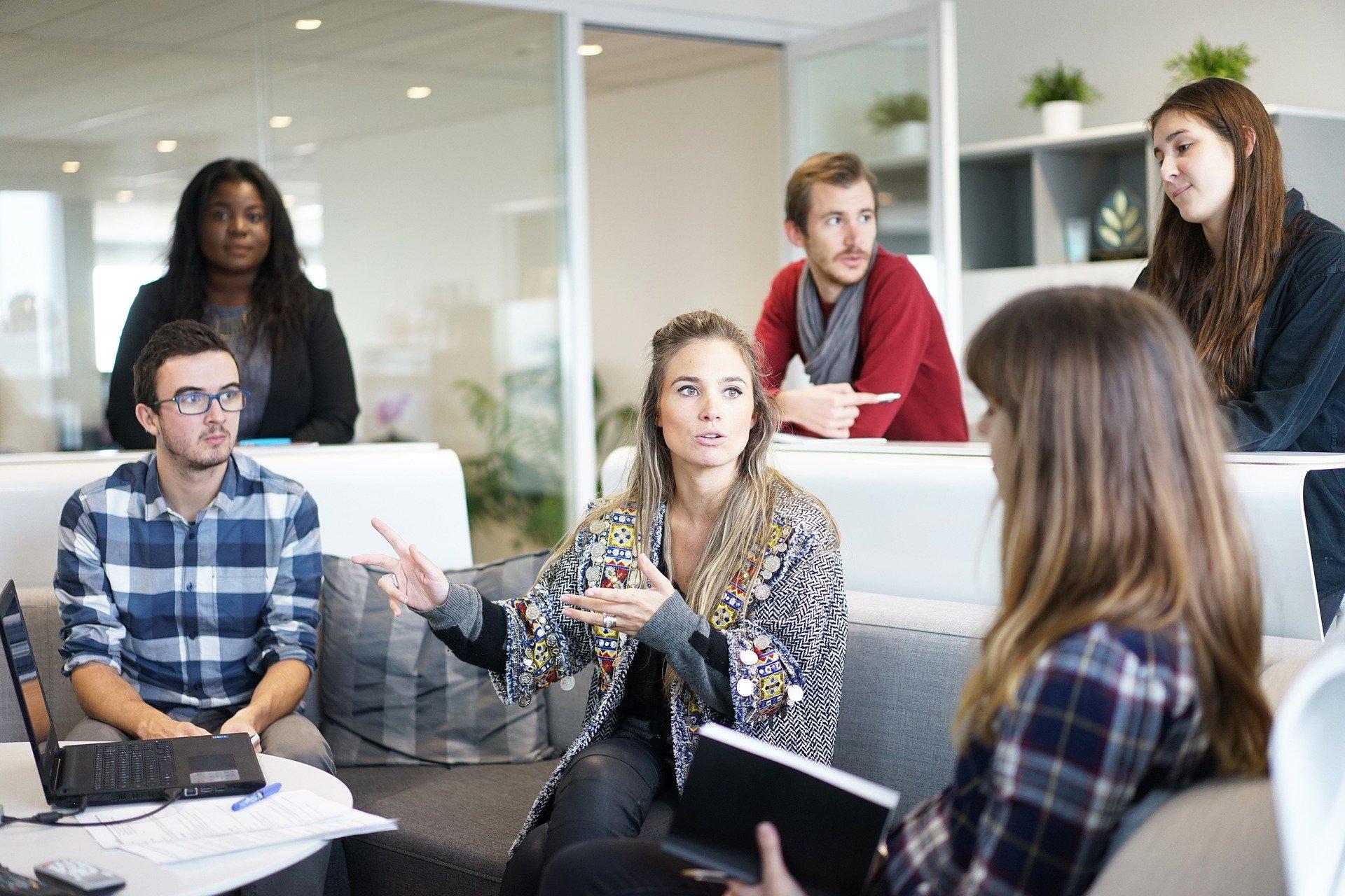 4 acciones para crear un buen ambiente laboral