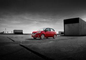 Nuevo diseño y tecnología en el Hatchback de Nissan