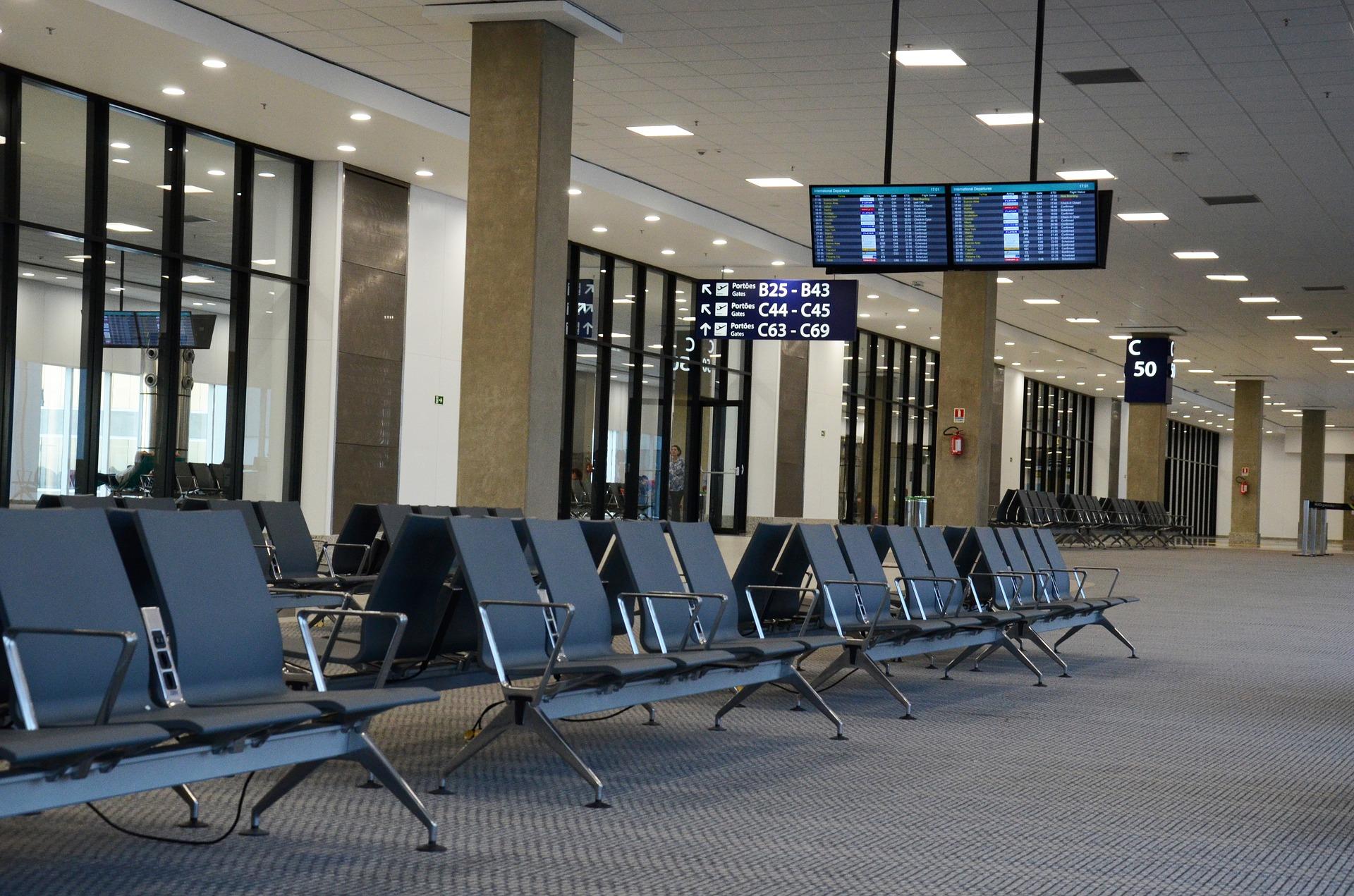 Número de visitantes extranjeros se redujo 44.1%