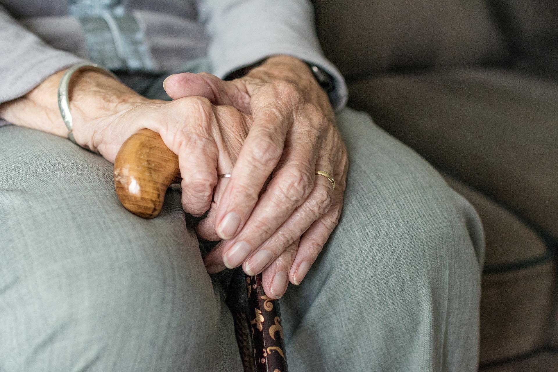 269 mil adultos mayores sin pensión universal