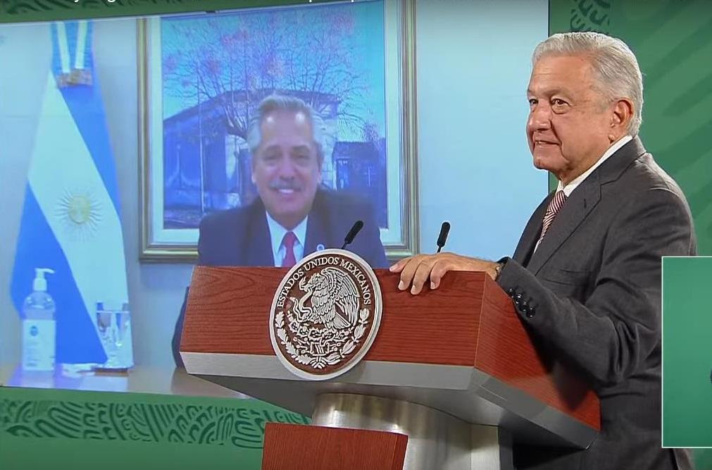 México y Argentina celebran producción de vacuna AstraZeneca