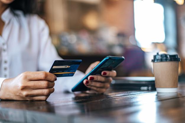 60% de los mexicanos usan tecnología en sus finanzas personales