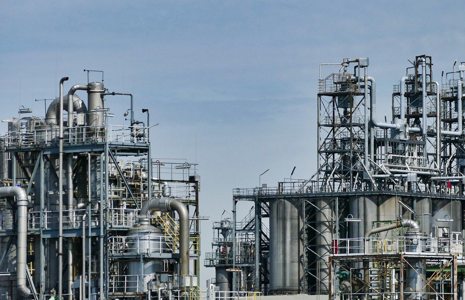 Van 50 amparos contra Ley de Hidrocarburos: ICC