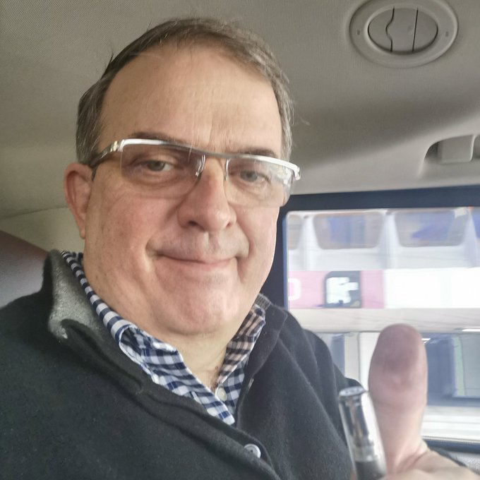 Marcelo Ebrard felicitó a funcionarios de casilla