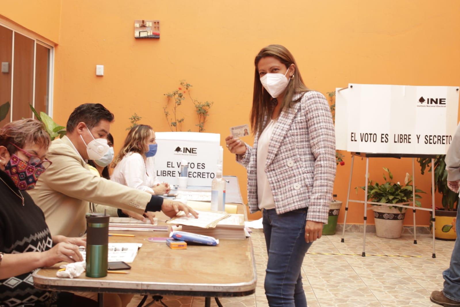 Evelyn Parra Álvarez exhorta a los ciudadanos a votar