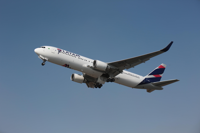 Latam Airlines y Mastercard buscan mejorar experiencia de viaje