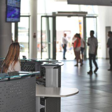 Sector servicios se recupera en abril; aún sin niveles prepandemia