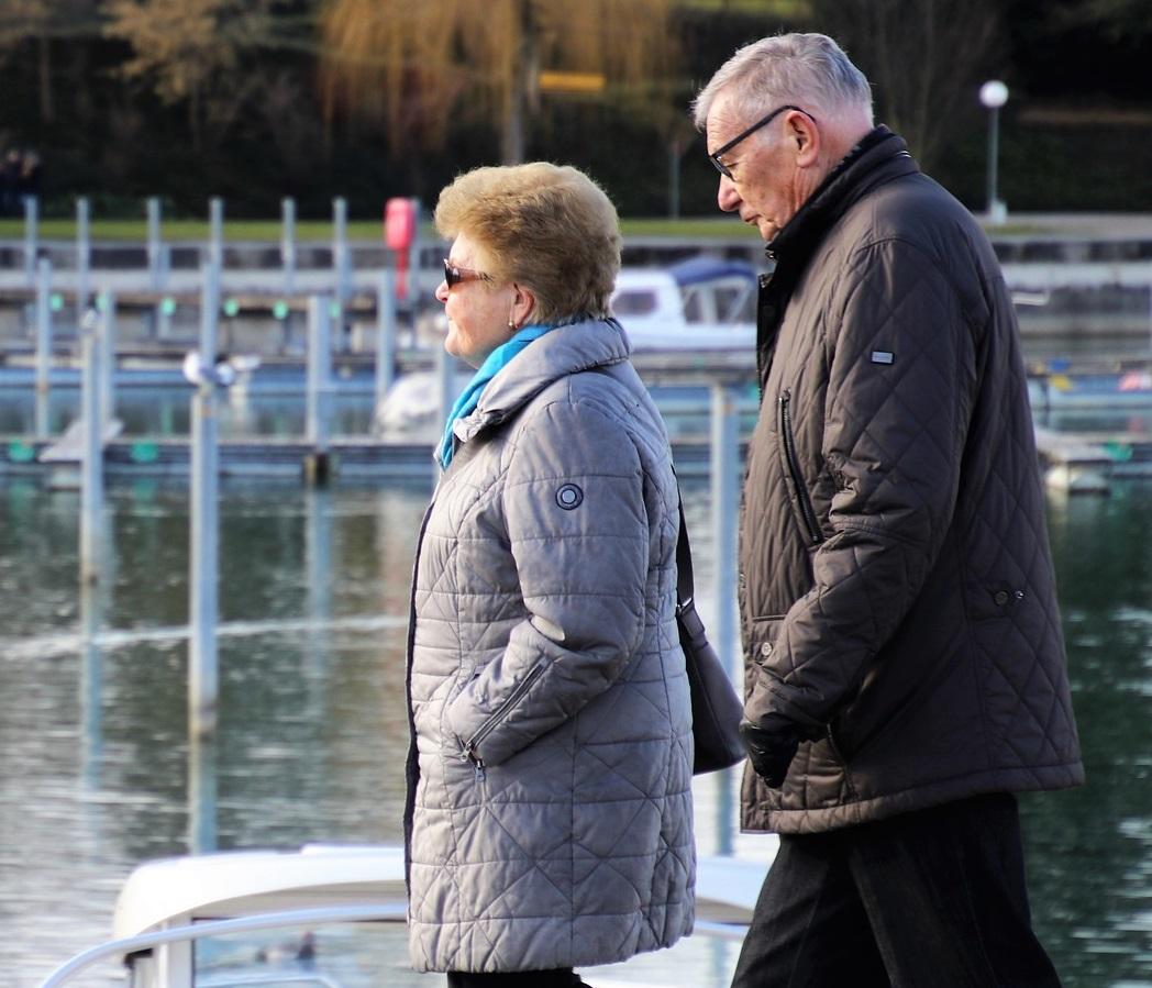 Adultos mayores recibirán aumento en pensión de julio y agosto