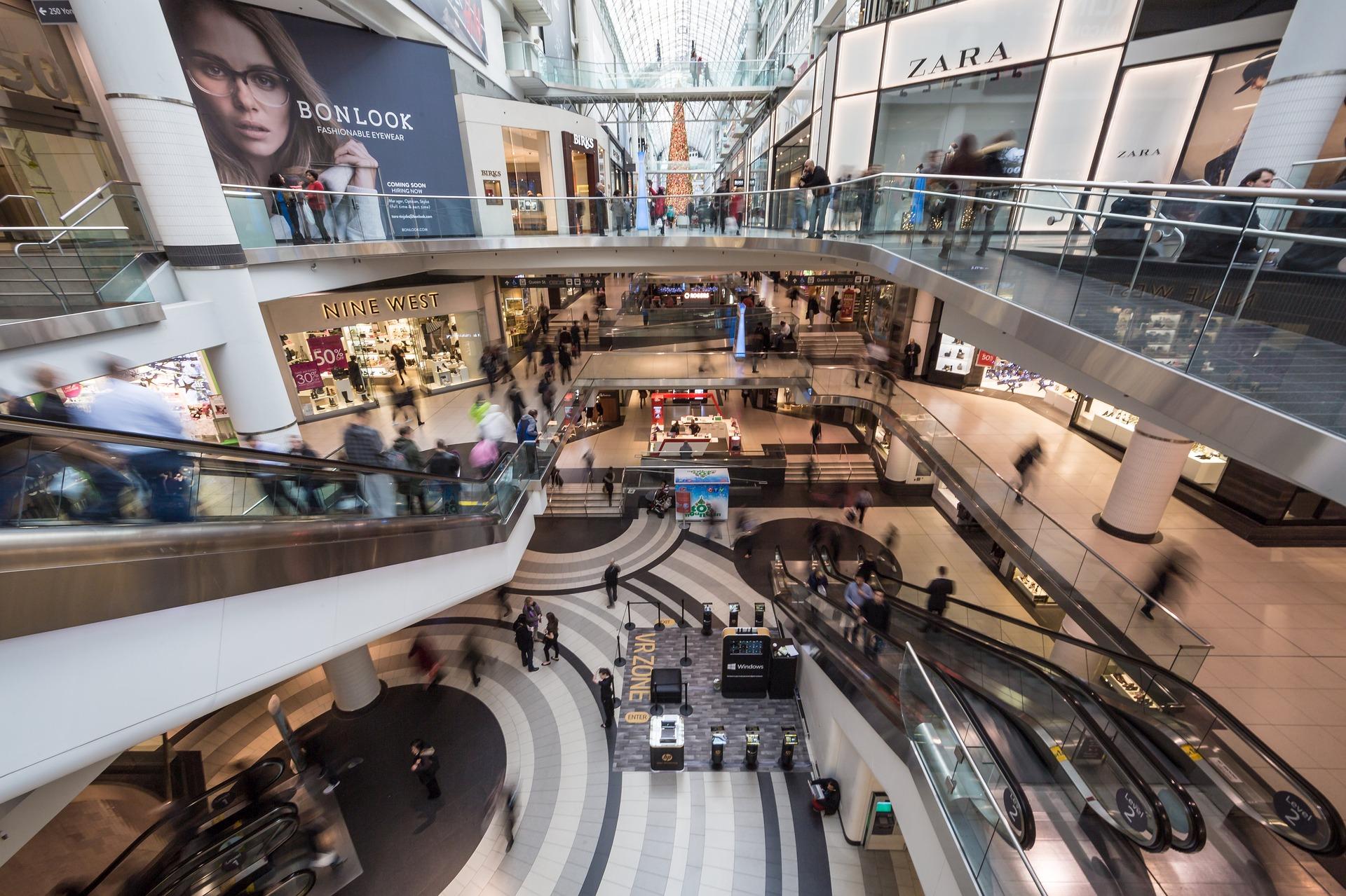 Afluencia en centros comerciales se recuperó hasta en 73%