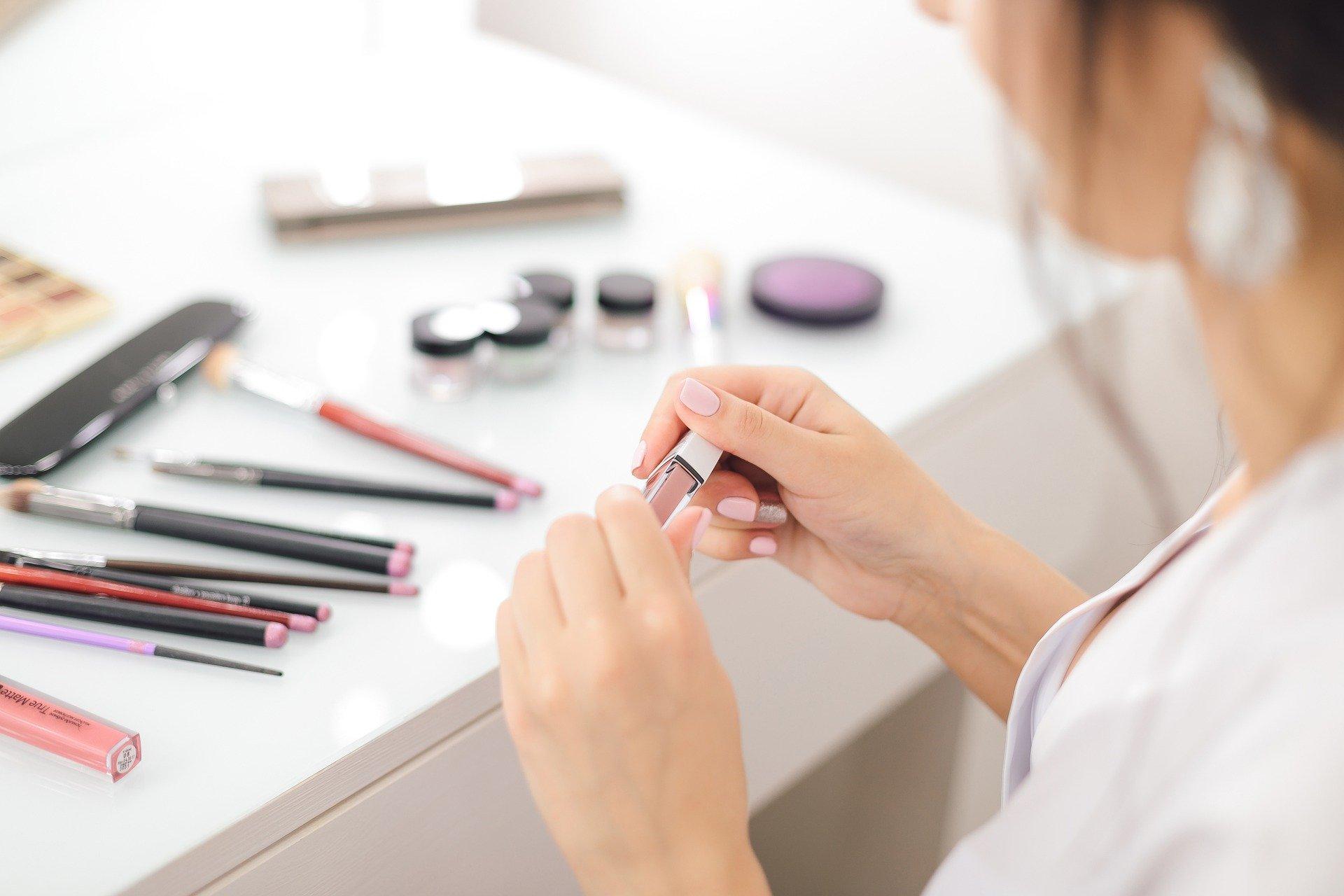 Realidad Aumentada e IA fortalecerán canal de ventas de productos de belleza