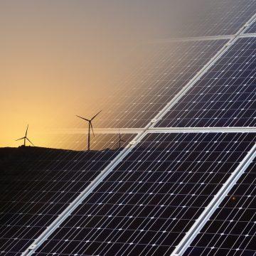 Las energías renovables también generan empleos: MIT Sloan