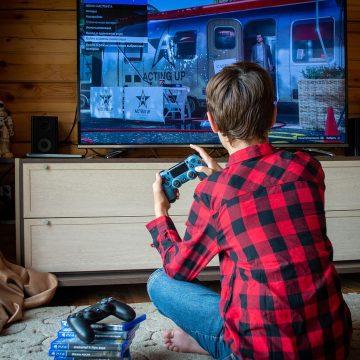 Advierten riesgos de videojuegos en menores